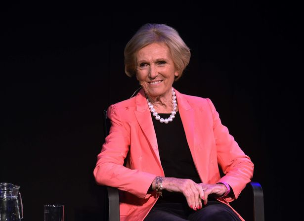 Mary-berry-at-cheltenham-literature-festival.jpg